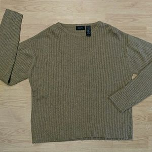 Claiborne Sweater Large